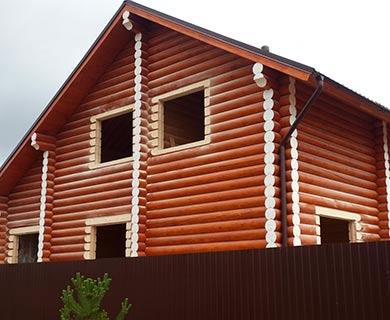 строительство дома под усадку из бревна